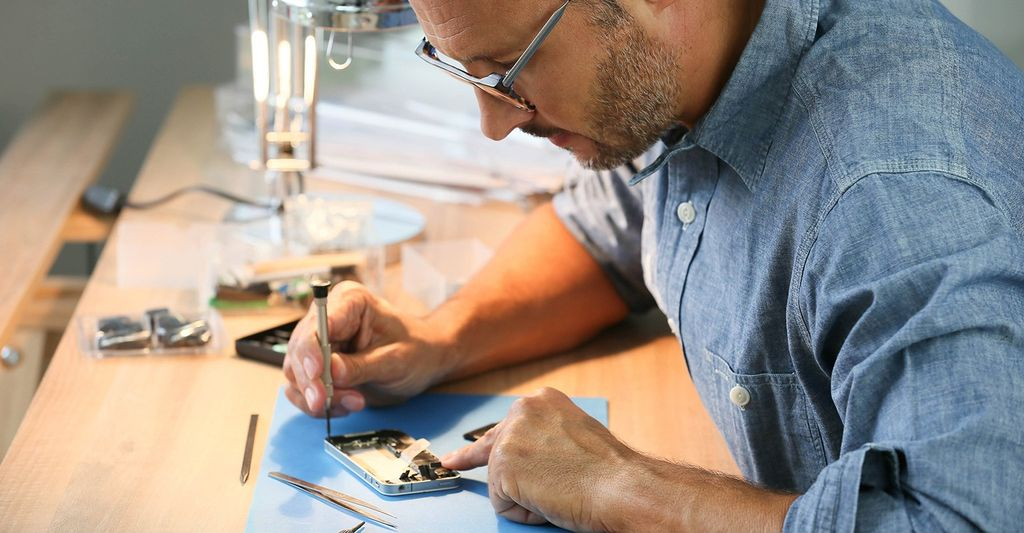 Find a lg phone repair service near you