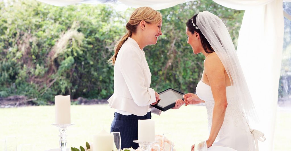 A wedding planner in Farmington Hills, MI