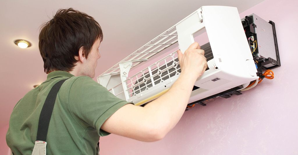 A window air conditioner installer in Denver, CO