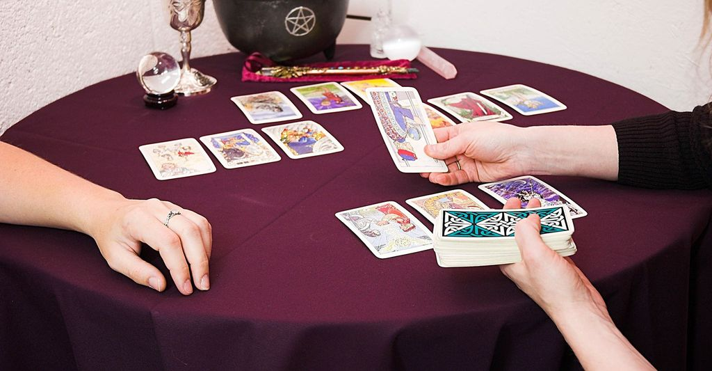 Find a tarot card reader near Huntersville, NC