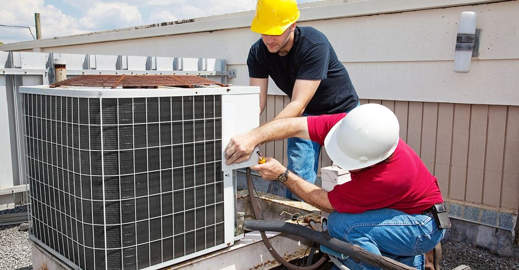 A HVAC Professional in Fair Park, TX
