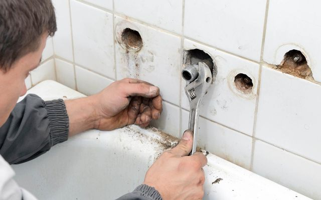 Shower and Bathtub Repair