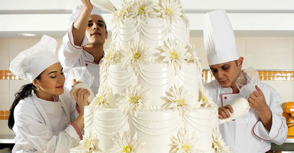 Find a cake maker near North Miami, FL