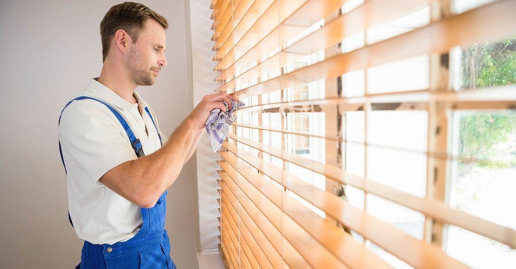 A window treatment professional in Douglasville, GA