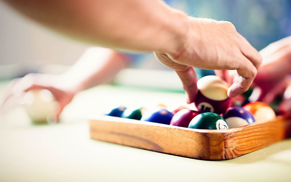 How much does it cost to restore a pool table?