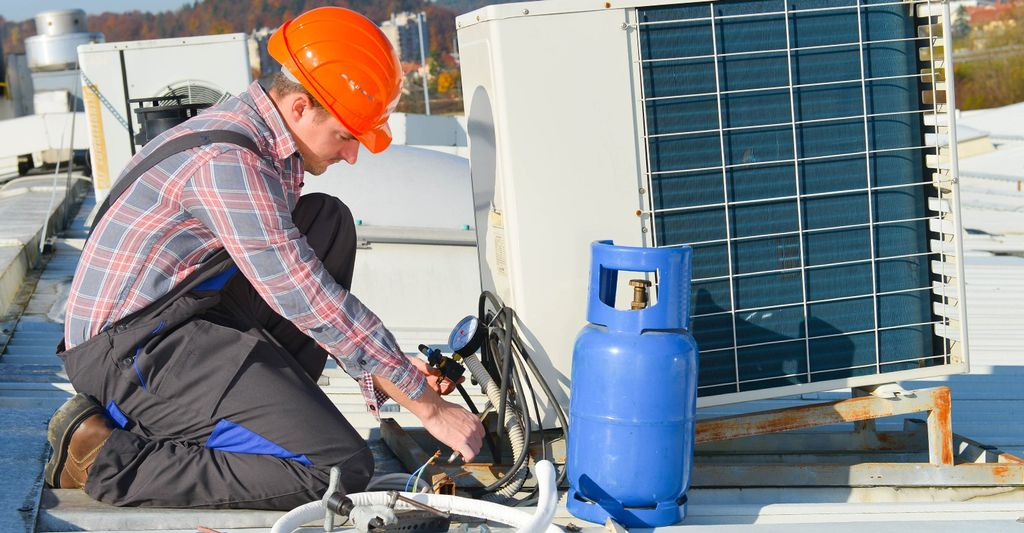 A HVAC Professional in Coon Rapids, MN