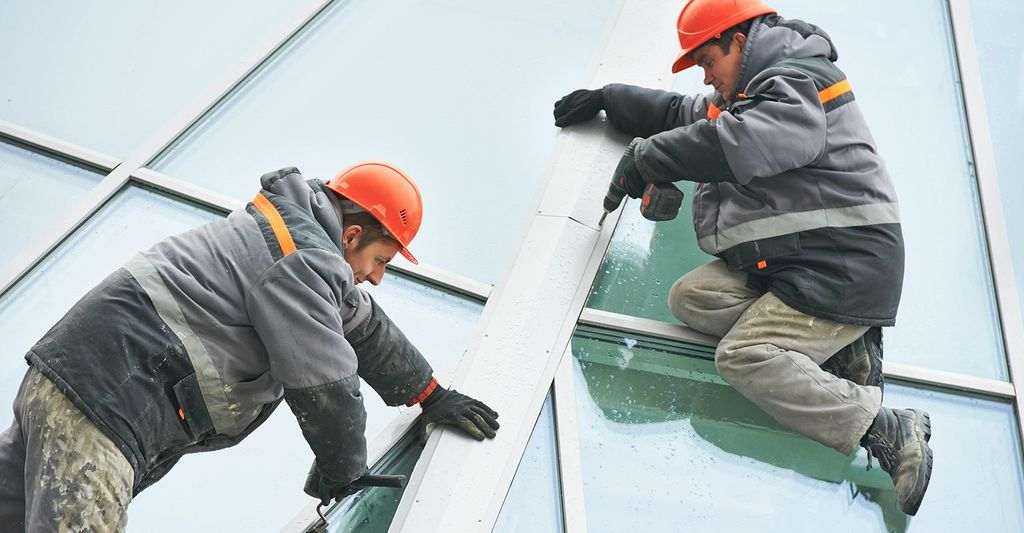 A window repair professional in Longmont, CO