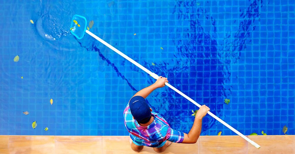 Find a pool tile cleaner near Dallas, TX