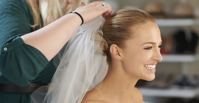 The 10 Best Bridal Hair Stylists Near Me (with Free Estimates)