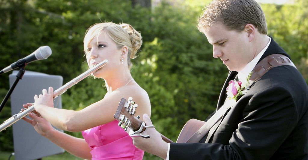 Find a contemporary wedding band near you