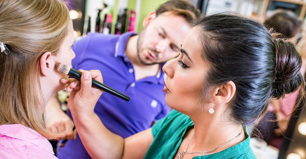 Find a permanent makeup class near Saint Petersburg, FL