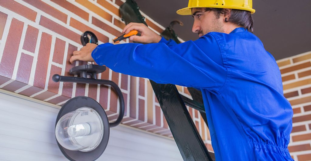 Find a lighting electrician near you