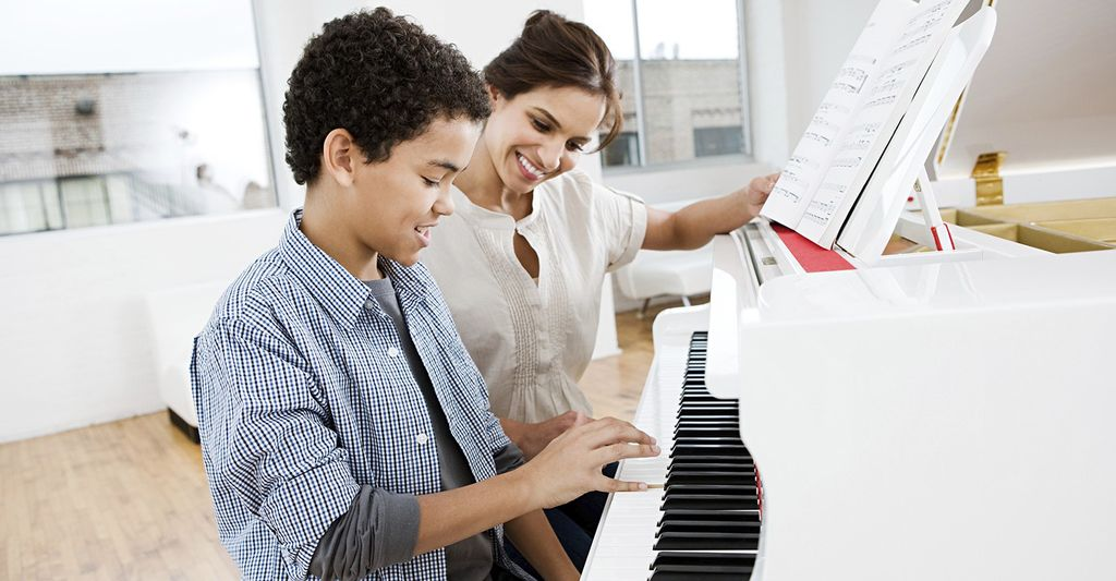 A piano lessons instructor in Chino Hills, CA