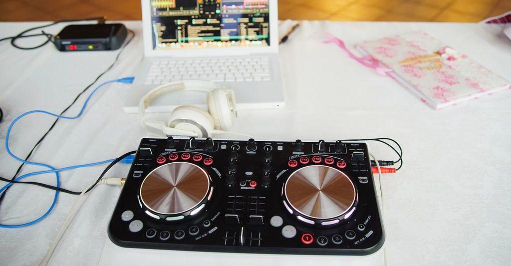 Find a wedding DJ near you