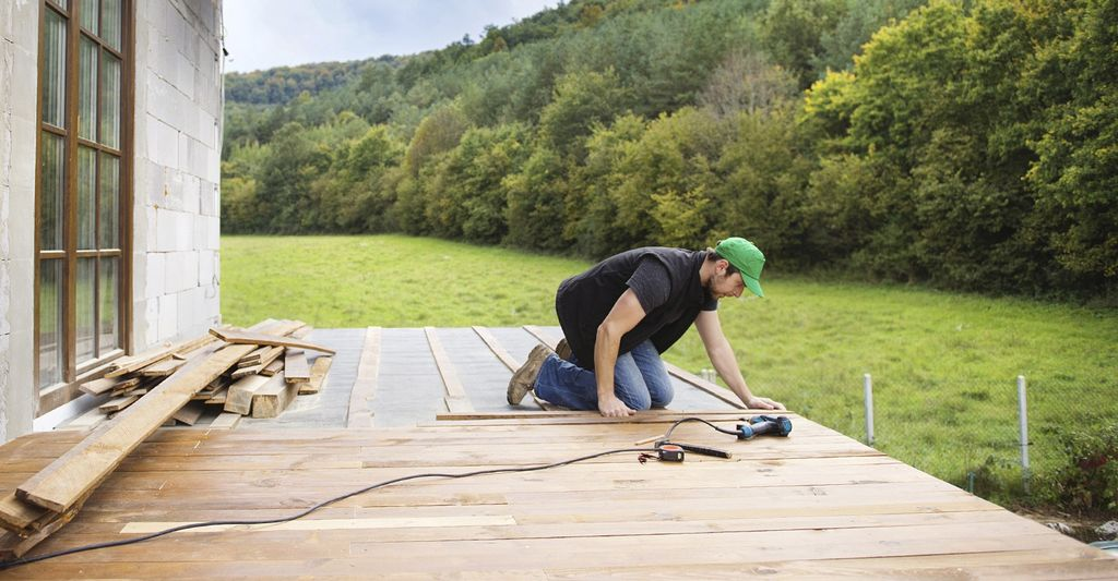 Find a deck and porch builder near Wheeling, WV