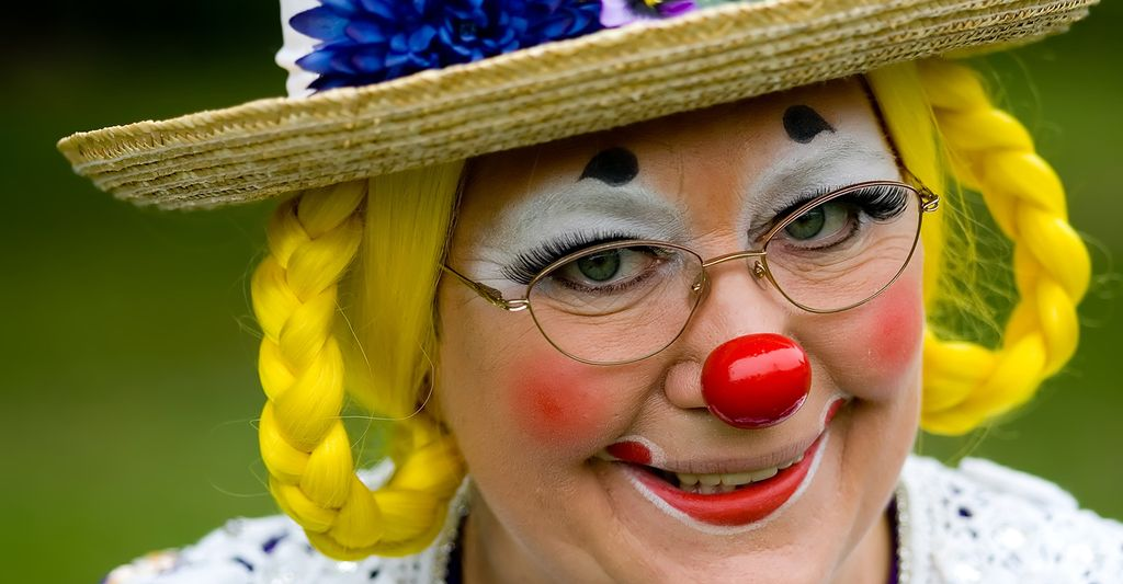 Find a harlequin clown near you