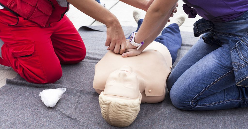 A CPR instructor in Atlantic City, NJ