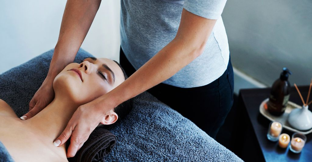 A massage therapist in Manhattan, NY