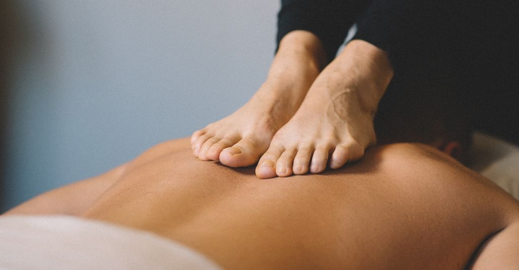 An ashiatsu massage therapist in Apache Junction, AZ