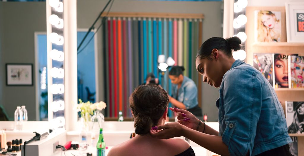 A Hair Stylist in Miami Beach, FL