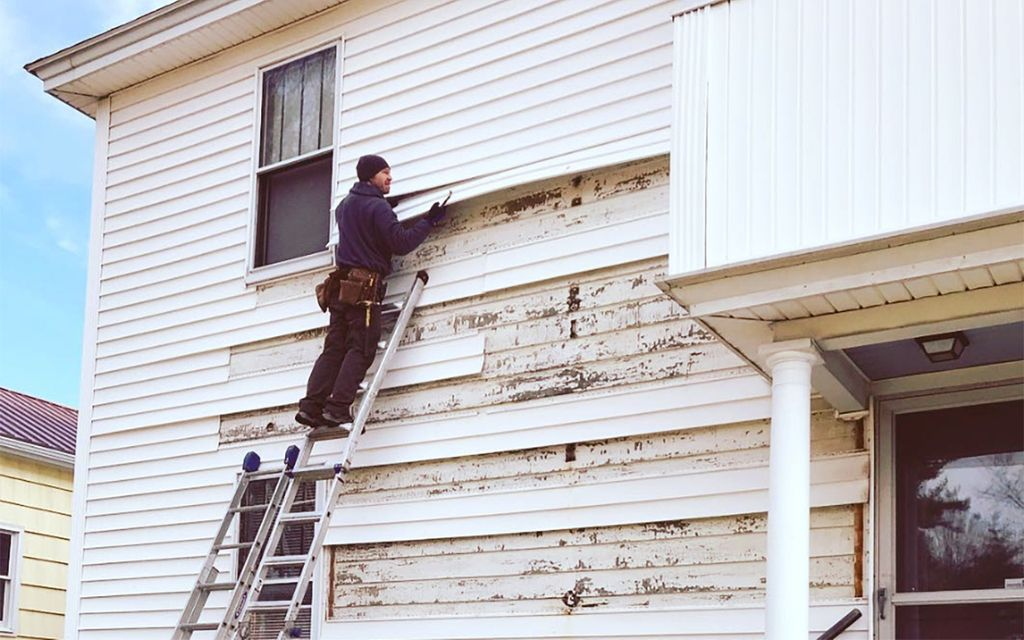 2020 Average Siding Repair Cost With Price Factors