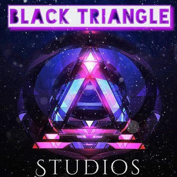 Shay TR (Black Triangle)