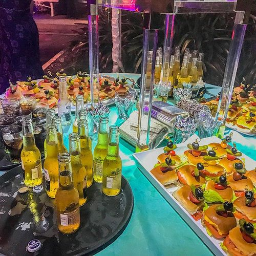 Whether it's a simple house gathering or elegant corporate event, we can handle it all and make sure your guests want to take selfies around our divine spreads.
