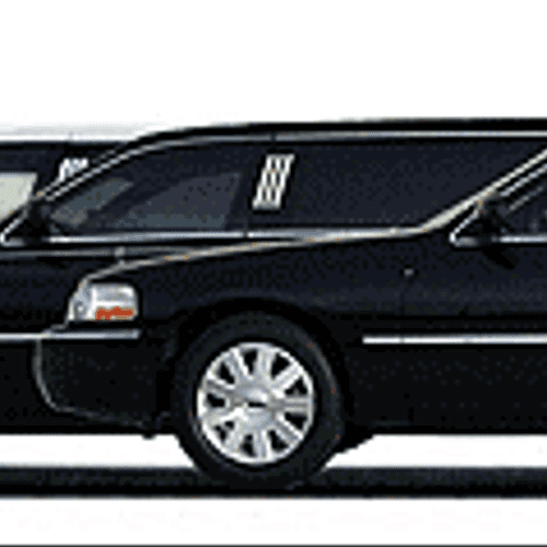 Late Model Fleet loaded with amenities and complimentary full beverage bar. Make your event a safe one and a great one with a chauffeured limousine.