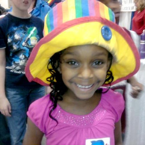 Raynbow's hat is very popular ...