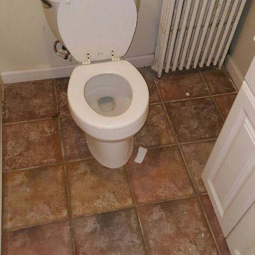 Basement bathroom before remodel.