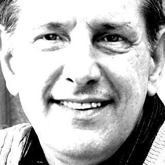 Dennis Auth