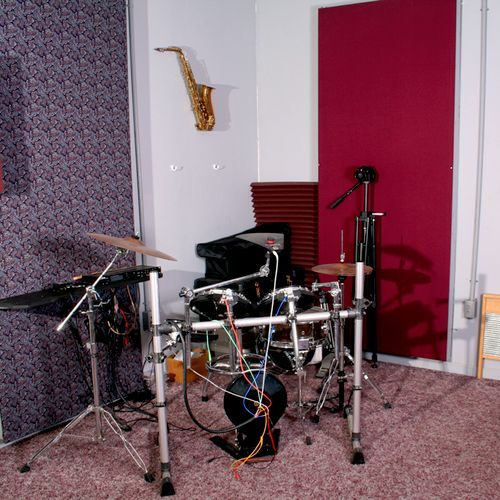 Electronic Drum kit.  Sounds like real acoustic drums