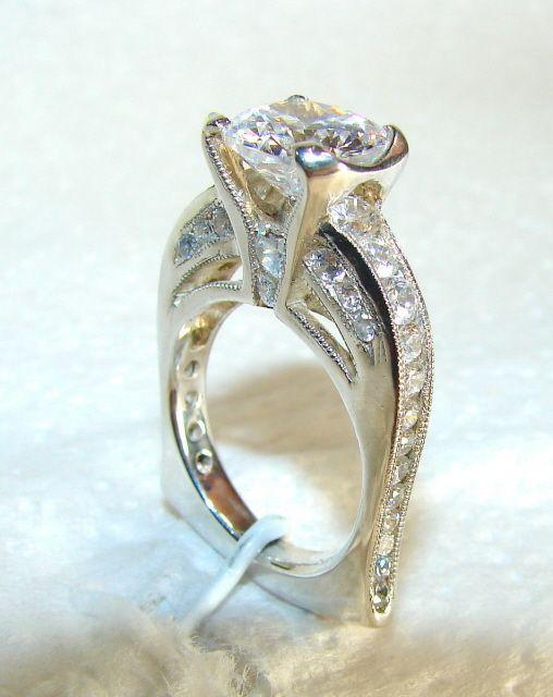 Jjanusz Custom Jewelry Design