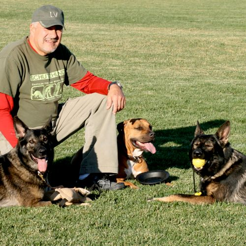 With over 30 years of experience coaching dogs, and their humans, Rick The K9 Coach guarantees you and your pet are sure to be a winning team!