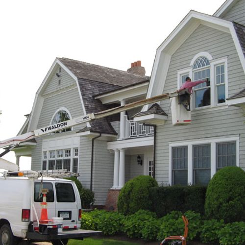 Residencial window cleaning.