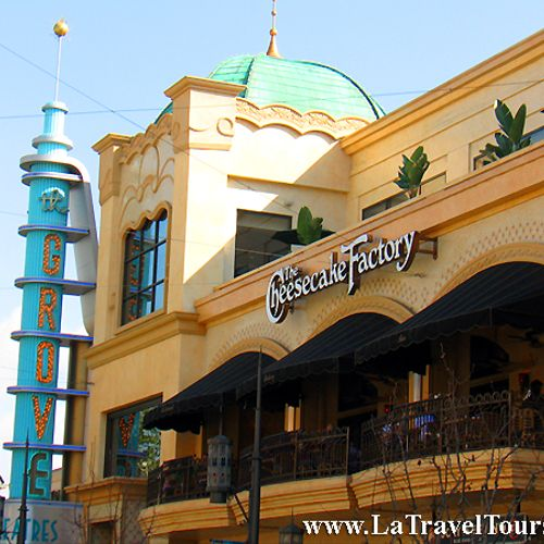 """Los Angeles sightseeing tour stops at the Grove and Farmers Market, where you can enjoy variety of food options and participate in a taping of daily NBC show  """"Extra""""."""