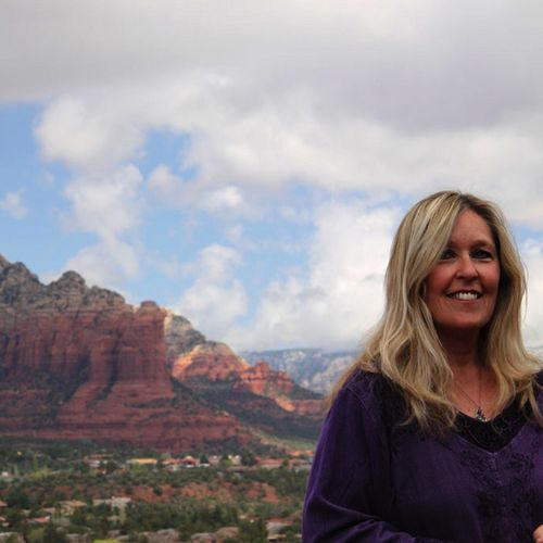 Jeanie is based in Sedona but travels all over the Southwest.