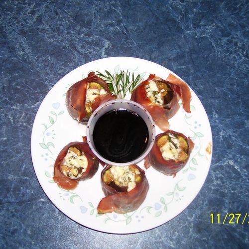 "Gorgonzola Stuffed Figs with Balsamic Glaze. 1st place in Taste of Home's 2008 ""Light & Tasty"" magazine."
