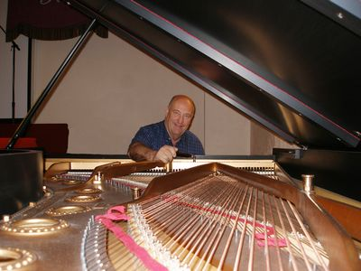 Avatar for Johnson's Piano Service