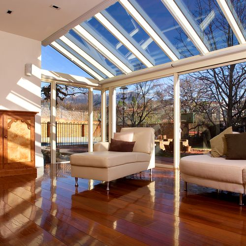 We install and repair of all types of glass doors, windows, windscreens, mirrors, glass tabletops, and glass fittings as well as the fitting of aluminum sliding doors and aluminum shower doors.
