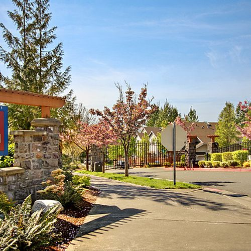 Ashburn townhomes for sale in Renton.  A great community to call home.  I do!