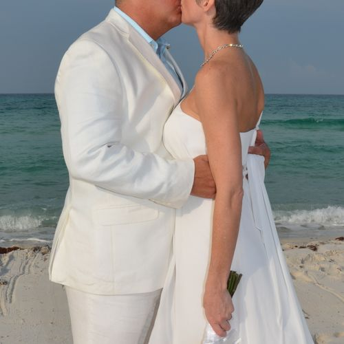 Ceremony near Inlet Beach.   Photography by Florida Nuptials