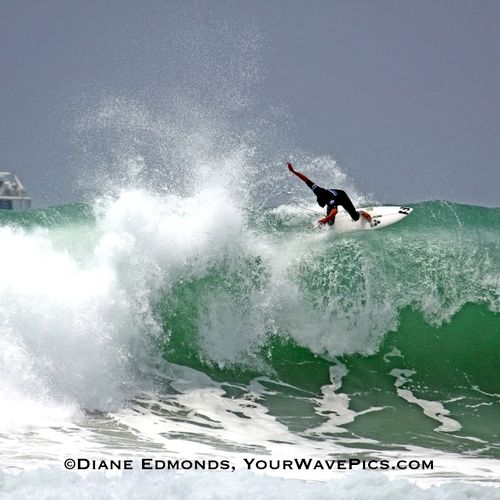 Andy Irons on a huge floater during the US Open 7/25/09.