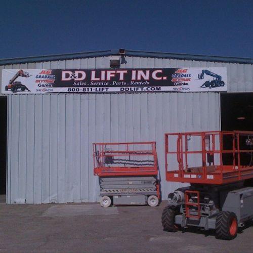 DD Lift Inc. 30' Building Banner