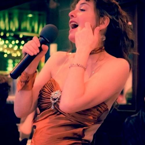 Every first Thursday of month I sing at Maximilien in Pike Place Market, 5-7:30pm, inviting students to guest at times.