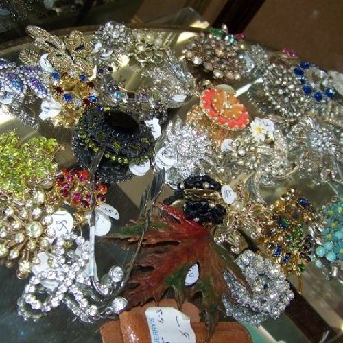 Witch City Consignment (old jerrys army & navy) We buy gold & Silver jewelry, vintage jewlery, 301 Essex st, 978-744-4433