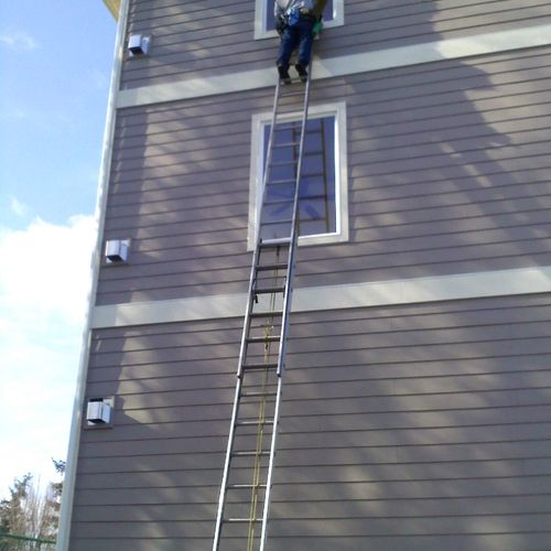 Four story window cleaning.