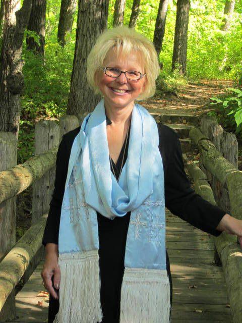 Wedding Officiant, Rev. Jewel Olson