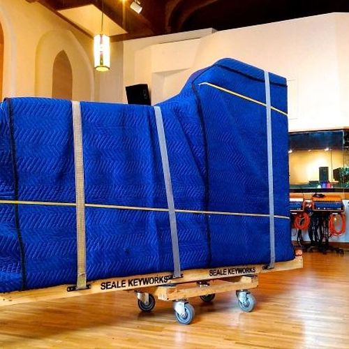 We provide fully-insured piano and organ moving services.