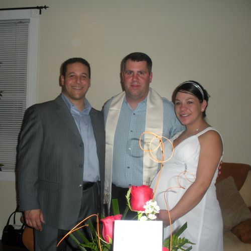 Intimate wedding in the couples home